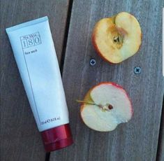 Sooo excited about this product! Its good for dry, tough and sundamaged skin If it can revive an apple like that, inagine the wonders it will do on your face! Nu Skin, Vitamin C Face Wash, Lip Plumping Balm, Healthy Skin Care, Anti Aging Skin Care, Face Care, Beauty Care, Summer Collection, Moisturizer