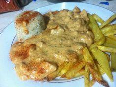 Kapros-tejfölös csirke Pork, Chicken, Kale Stir Fry, Pork Chops, Cubs