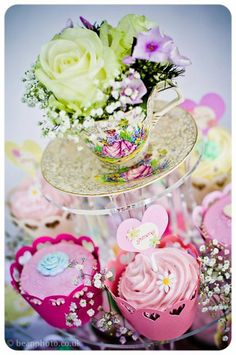 Lancashire vintage china hire & styling by Itsy Bitsy Vintage. Cakes by Madam Chocolat. Photo by Bean photo.