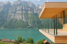 Uma casa no lago.