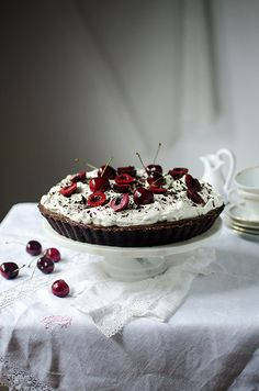 cherry chocolate cheesecake tart recipe. Food photography by Candy Company