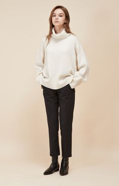 LOOKAST IVORY CASHMERE WOOL TURTLENECK KNIT