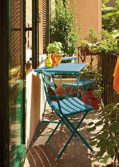 Un petit balcon tout en couleur