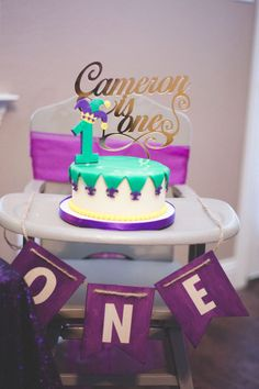 Bring on the rhythm, the jazz music and the dancing because a Mardi Gras Themed Birthday Party is at Kara's Party Ideas! 1st Birthday Cakes, 1st Birthday Invitations, First Birthday Parties, Birthday Party Themes, First Birthdays, Birthday Photos, Baby Cake Smash, Smash Cakes, 18th Cake