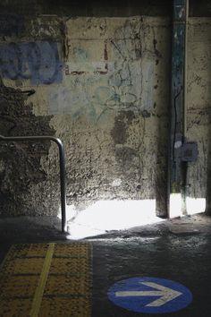 駅舎の壁 #シモチカ