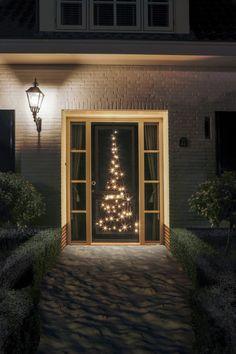 Mooie fairybell voor aan elke deur! Christmas Tree Kit, Christmas Feeling, Beautiful Christmas Trees, Christmas Is Coming, Outdoor Christmas, Merry Christmas, Door Tree, Tree Shapes, Energy Use