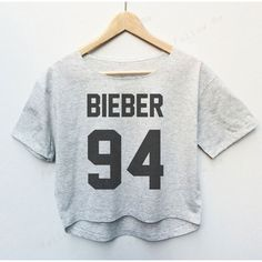 Justin Bieber Singer Tees Crop Top Fashion T-Shirt Woman (59 BRL) ❤ liked on Polyvore featuring tops, t-shirts, crop t shirt, crop top, screen print tees, screen print t shirts and crop tee