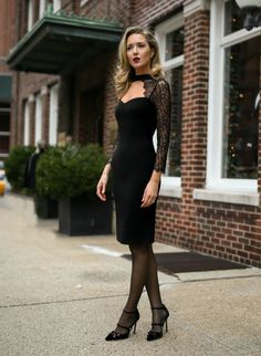 {Alice and olivia, ysl, jimmy choo, what to wear on a date, date night styl Glam Dresses, Trendy Dresses, Nice Dresses, Casual Dresses, 1950s Dresses, Vintage Dresses, Pantyhose Outfits, Date Night Dresses, Night Outfits