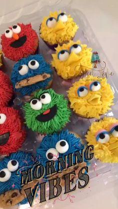 Elmo First Birthday, Baby Boy 1st Birthday Party, Monster Birthday Parties, Elmo Party, Birthday Ideas, Sesame Street Birthday Cakes, Sesame Street Cupcakes, Sesame Street Cake, Sesame Street Cookies
