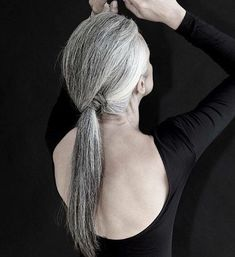 50 hairstyles for grey hair on this link Long Gray Low Ponytail For Older Women Why your hair turns Grey Hair Over 50, Long Gray Hair, Pelo Color Plata, Silver White Hair, Grey Hair Inspiration, Curly Hair Styles, Natural Hair Styles, Gray Hair Growing Out, Hairstyles Over 50