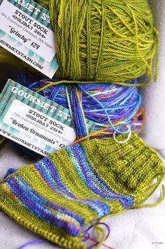 Jewelry stash bag; 100/% Wool hand knit tulip drawstring bag in multi-colors.