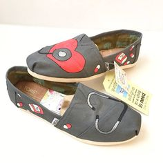This listing shows nurse adult custom toms canvas shoes - these are fun as custom gifts! This listing is for Adult size custom made TOMS shoes. If you prefer a different style of shoe, please message me your shoe request so I can give you a price quote. * I can do toddler/kid's