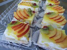 Prajitura diplomat cu fructe proaspete