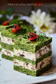 cuburi aperitiv cu spanac Finger Food Appetizers, Appetizer Recipes, Chicken Cake, Party Food Platters, Good Food, Yummy Food, Food Garnishes, Food Tasting, Food Decoration