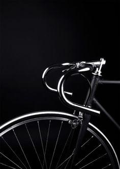 madaboutbike: totally black