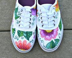 Artículos similares a Mano pintada zapatos, zapatillas, tropical arte, arte original, OOAK, zapatillas mujer, zapatillas personalizadas, pintadas a mano en Etsy