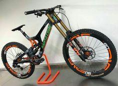 Santa Cruz V10 Carbon!