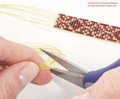 How to Weave-In Warp Threads on Loom Beadwork: Trim the Ends of the Warp Threads