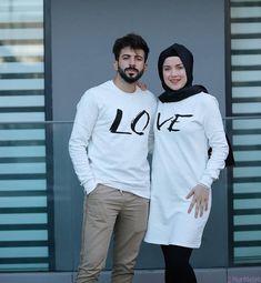 Stylish Dress Designs, Stylish Dresses, Indian Designer Outfits, Designer Dresses, Muslim Couple Photography, Cute Muslim Couples, Couple Outfits, Mode Hijab, Adidas Jacket
