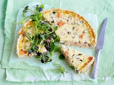 Kylmäsavulohipiirakka Snack Recipes, Healthy Recipes, Snacks, Healthy Food, Quiche, Goodies, Food And Drink, Menu, Yummy Food