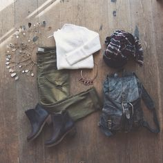 Super cute jeans with the white sweater.       25 Inspiring Fall Flat Lays FromInstagram | StyleCaster