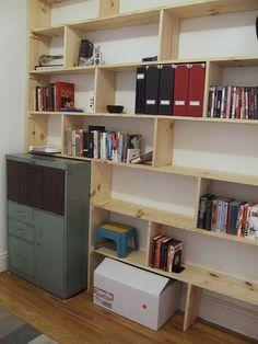 Living Room Bulit-in Bookshelf