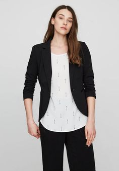 Vero Moda. Blazer - black. Fit:regular. Outer fabric material:70% polyester, 25% viscose, 5% spandex. Pattern:plain. Care instructions:machine wash at 30°C. Fastening:button. Length:normal. Sleeve length:3/4 length. Lining:1...