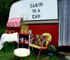 MaryJanesFarm - Ranch Farmgirl blog >> Getting Our Glamp On. Shery's 1958 Leino , 'Cabin In A Can'.