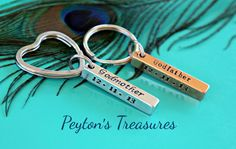 Personalized Godparent Keychains    These keychains come in a set of two. Godmothers keychain is 1 1/2 aluminum and comes on a stainless steel