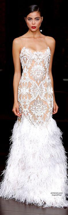Naeem Khan Resort 2014 Fashion Show Beautiful Gowns, Beautiful Outfits, Beautiful Life, Elegant Dresses, Pretty Dresses, Bridal Gowns, Wedding Gowns, Evening Dresses, Prom Dresses