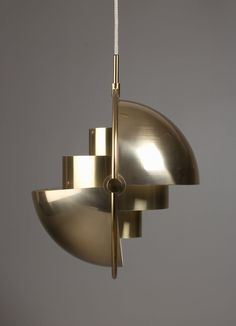 Multi-lite pendant of brass with adjustable screens. Late Looks like jewelry Cool Lighting, Modern Lighting, Lighting Design, Chandelier Lighting, Bauhaus, Hanging Light Fixtures, Mid Century Modern Furniture, Furniture Styles, Lamp Design
