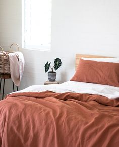Feel like a royal with luxurious pure linen bedding from I Love Linen. Our pure linen sheets are produced from high quality French flax and are supplied to five star hotels. Desert Aesthetic, Aesthetic Value, Aesthetic Design, Furniture Makeover, Dresser Makeovers, Paint Furniture, Furniture Design, Coral Bedroom, Coral Pillows