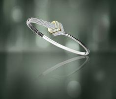 Gold Bangle Bracelet, Diamond Bracelets, Bracelet Set, Diamond Jewelry, Ladies Bracelet, Bangles, Women's Bracelets, Bracelet Designs, Antique Gold