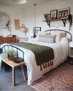Cozy Master Bedroom Decor Ideas Boho Farmhoise - Home decor cozy Dream Bedroom, Home Bedroom, Modern Bedroom, Contemporary Bedroom, Bedroom Furniture, Eclectic Bedrooms, Bedroom Simple, Kids Bedroom, Fall Bedroom