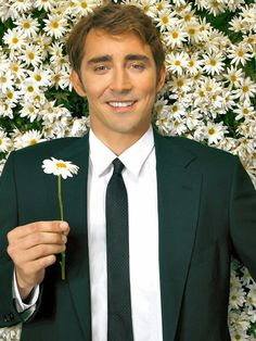 I just had to pin this to my daisy board..haha! #LeePace