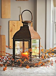 56 Fall and Thanksgiving Centerpieces - DIY Ideas for Fall Table Decorations Diy Thanksgiving Centerpieces, Fall Table Centerpieces, Decoration Table, Thanksgiving Table, Centerpiece Ideas, Christmas Tables, Holiday Tables, Christmas Wedding, Wedding Centerpieces