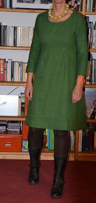 MeMadeMittwoch - in Förstergrün Fashion Sewing, Diy Fashion, Fashion Outfits, Easy Sewing Patterns, Dress Patterns, Mode Ab 50, Modest Outfits, Dressmaking, Casual Wear