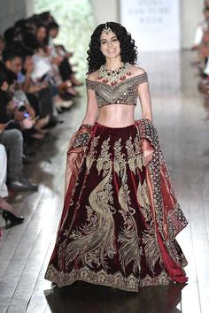 We have put together a list of top 10 2016 fashion trends from India Couture Week so if your a bride or just staying updated we have it all. Indian Bridal Wear, Indian Wedding Outfits, Bridal Outfits, Indian Outfits, Mehndi, Henna, Moda India, 2016 Fashion Trends, Bridal Lehenga Choli