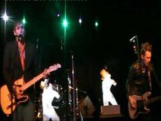 Mon titre préféré du groupe. SEX AXELLE  Live à la Scène Bastille - 19/12/09