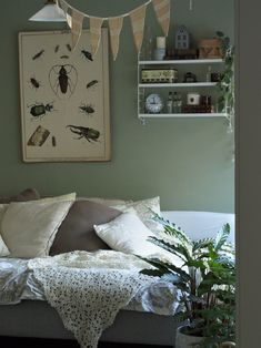 Creen and cozy guestroom Cozy House, Guest Room, Gallery Wall, Frame, Home Decor, Picture Frame, Decoration Home, Cosy House, Room Decor