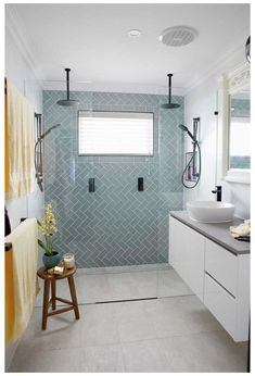Bathroom Design Luxury, Bathroom Layout, Modern Bathroom Design, Modern Bathtub, Tile Layout, Bathroom Tile Designs, Shower Designs, Kitchen Design, Bathroom Tile Colors