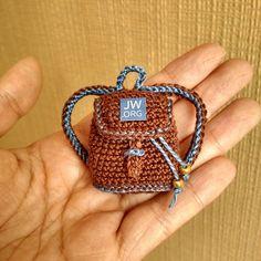 ideas for crochet amigurumi doll posts Crochet Doll Clothes, Crochet Dolls, Crochet Gifts, Cute Crochet, Purse Patterns, Crochet Patterns, Barbie Et Ken, Little Backpacks, Crochet Backpack