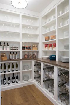 Kitchen Interior Design Remodeling pantry design - These beautiful pantry design ideas will inspire you to spruce up your own kitchen pantry. Check out these designer tips to create your best pantry design. Kitchen Pantry Design, Interior Design Kitchen, Kitchen Storage, Kitchen Decor, Kitchen Layout, Diy Kitchen, Awesome Kitchen, Pantry Interior, Kitchen Pantries