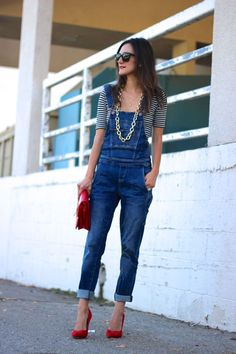trendy Ideas how to wear overalls in winter street style heels Style Casual, Casual Looks, Casual Outfits, Cute Outfits, My Style, Salopette Short, Salopette Jeans, Look Fashion, Autumn Fashion