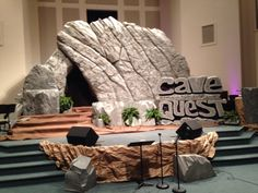 Grove Level Baptist, Cornelia, GA Gotta contact them and find out how they did this! Diy Party Designs, Cave Quest Vbs, Cave Entrance, Vbs Themes, Vbs 2016, Vbs Crafts, Trunk Or Treat, Stage Decorations, Easter Celebration