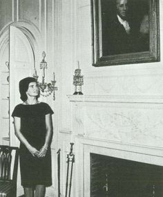 Jackie Kennedy views the dining room at Winterthur during her visit to the estate on May 8, 1961. / Winterthur Museum, Garden & Library