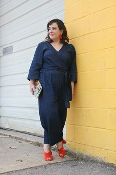 Wardrobe Oxygen in a plus size denim jumpsuit from ELOQUII with orange sandals and red lucite statement earrings Petite Fashion, Plus Size Fashion, Plus Size Denim Jumpsuit, Plus Size Dresses, Plus Size Outfits, Mini Dresses, Ball Dresses, Plus Size Workwear, Orange Fashion