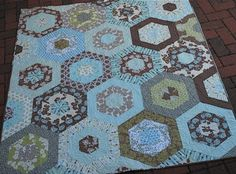 Hyacinth Quilt Designs: Hexagon Quilt
