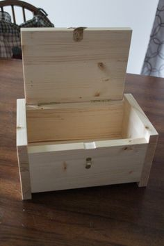 I think the grand daughters like them. Daughters, Toy Chest, Wood Projects, Storage Chest, Woodworking, Toys, Furniture, Home Decor, Tools