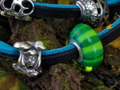 It's that time of the week again, Trollbeads Tuesday! This week we focused on the brand new Autumn Collection. Have a read of our review and take a look at our vibrant pictures!  http://www.robertgatwardjewellers.co.uk/news/trollbeads-autumn-collection-2014
